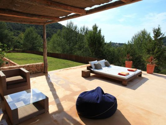 sunbeds photo - Casa Kiva: 6 bedroom child friendly luxury villa with infinity pool in Es Cubells, Ibiza
