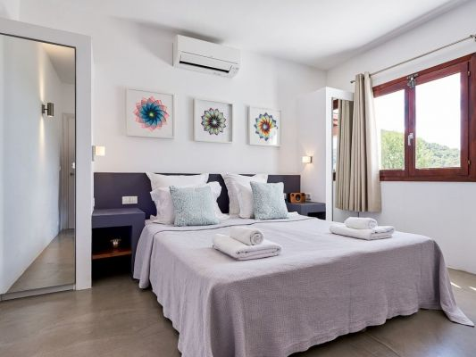 Bedroom photo - Casa Kiva: 6 bedroom child friendly luxury villa with infinity pool in Es Cubells, Ibiza